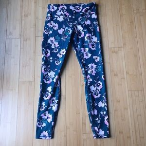 Mid rise floral patterned fabletics leggings